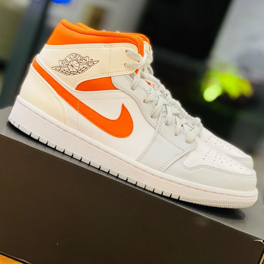 Air Jordan 1 Mid SE Pure Platinum Starfish Orange (2)