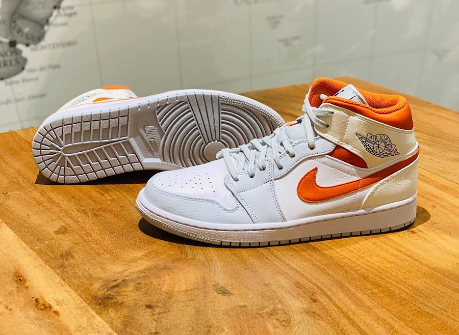 Air Jordan 1 Mid SE Pure Platinum Starfish Orange (3)