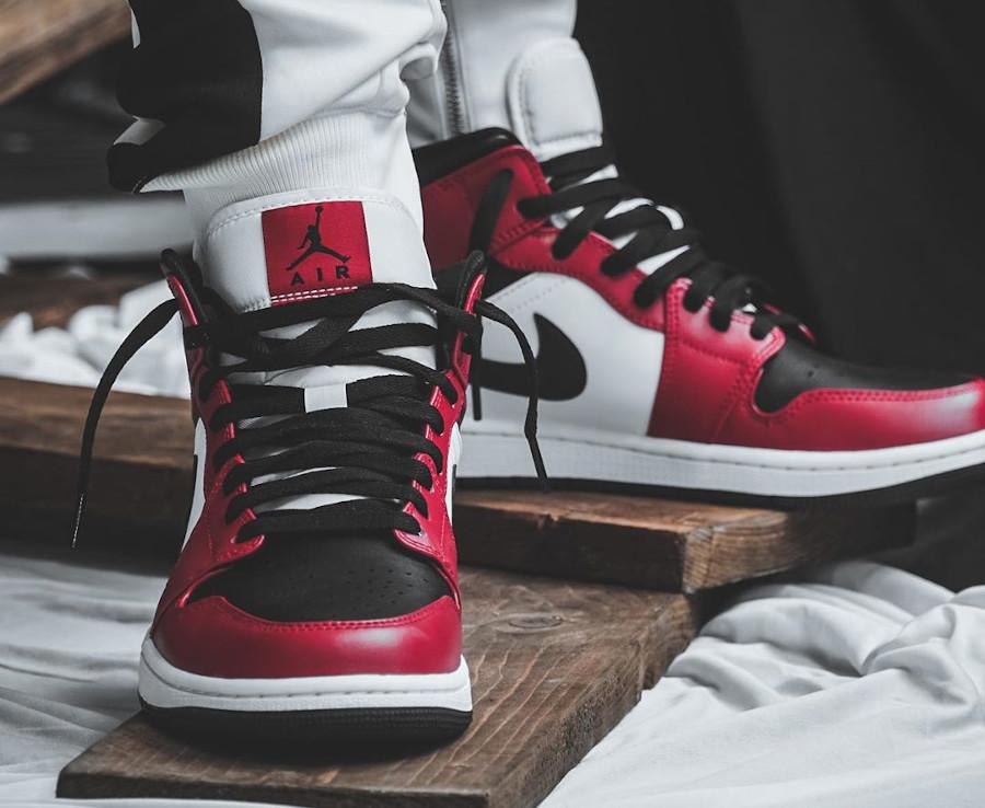 Air Jordan 1 mi-montante blanche rouge et noir 2020 (5)