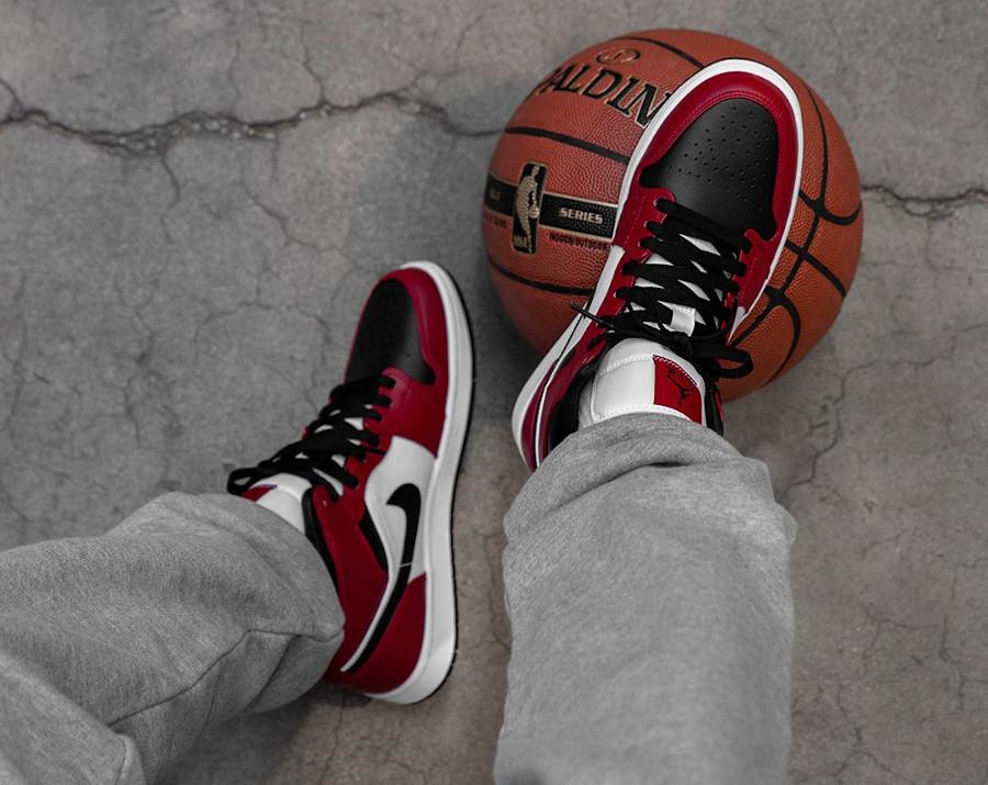 Air Jordan 1 mi-montante blanche rouge et noir 2020 (7)