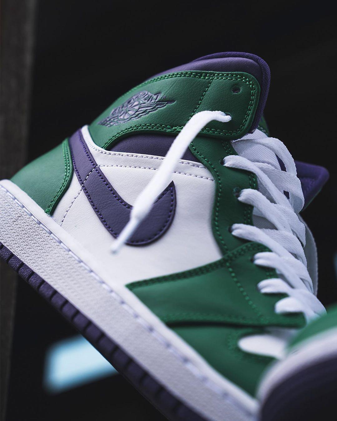 Air Jordan 1 mi-montante blanche violet et vert (2)