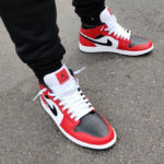 Air Jordan 1 Mid Chicago Black Toe