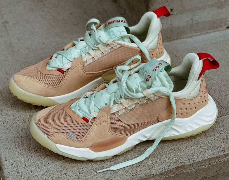 Jordan Delta SP Vachetta Tan Gym Red Jade Aura (1)