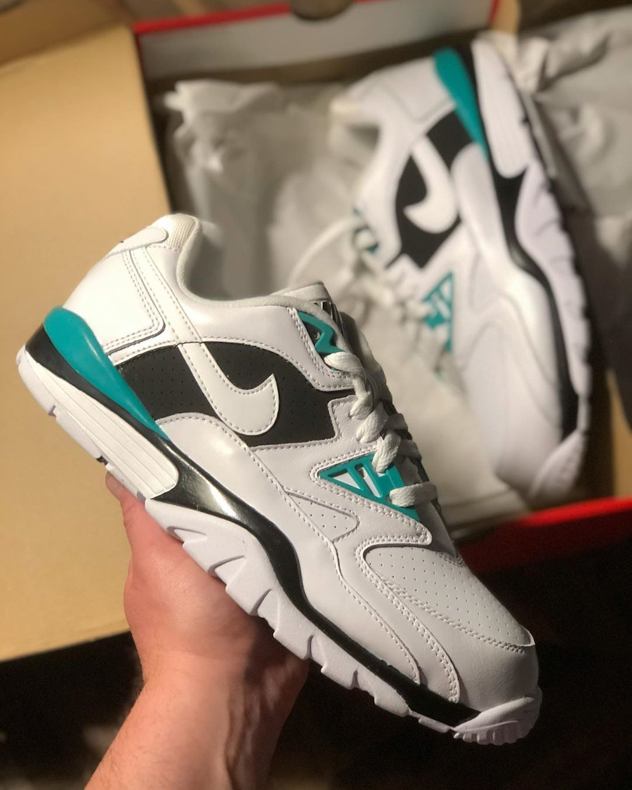 Nike Air Cross Trainer III Low White Neptune Green Black (1)