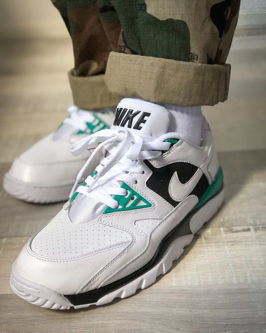 Nike Air Cross Trainer III Low White Neptune Green Black (2)