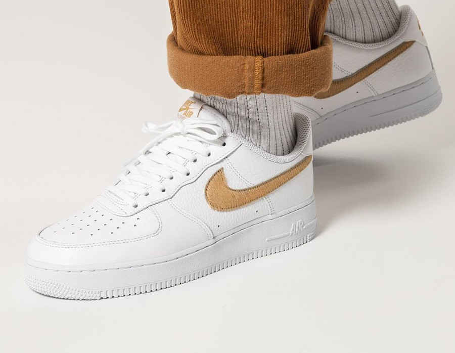 Nike Air Force 1 LV8 'Hairy Swoosh' White Club Gold (4)