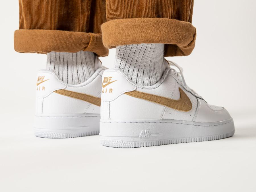 Nike-Air-Force-1-LV8-Hairy-Swoosh-White-Club-Gold-6