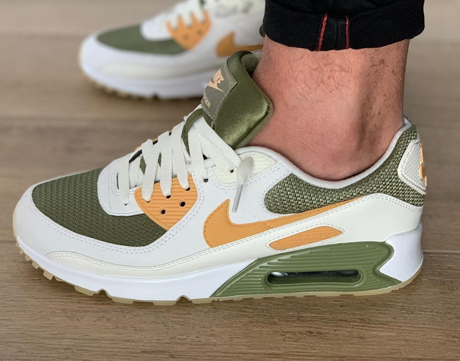 Nike Air Max 90 By You Honey Badger - @xiem_on