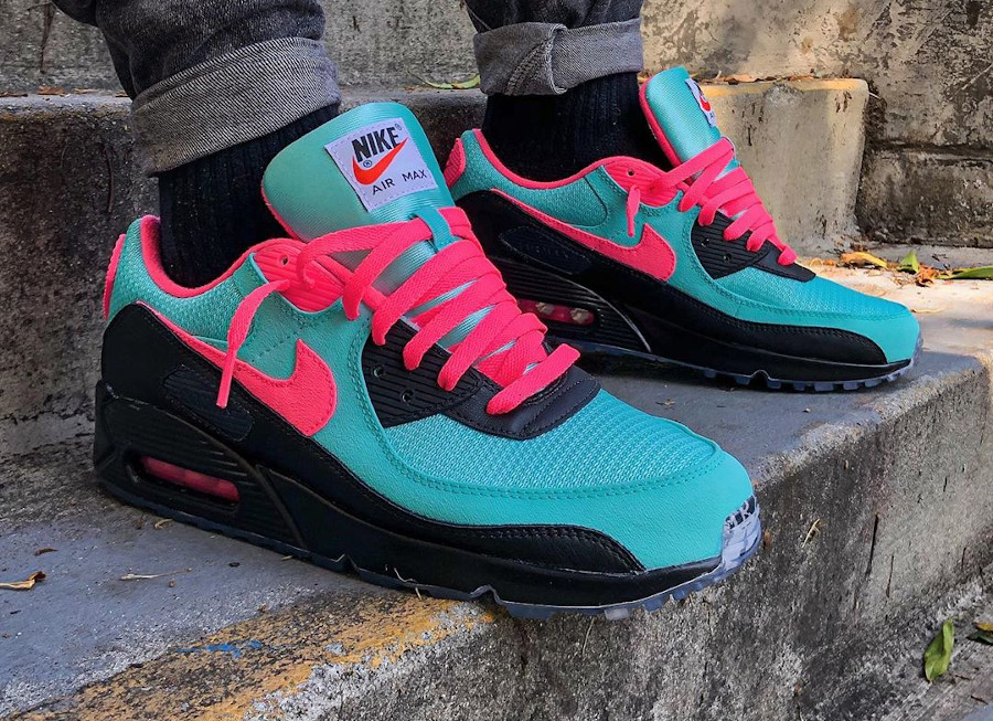 Nike Air Max 90 By You South Beach - @freehandprofit