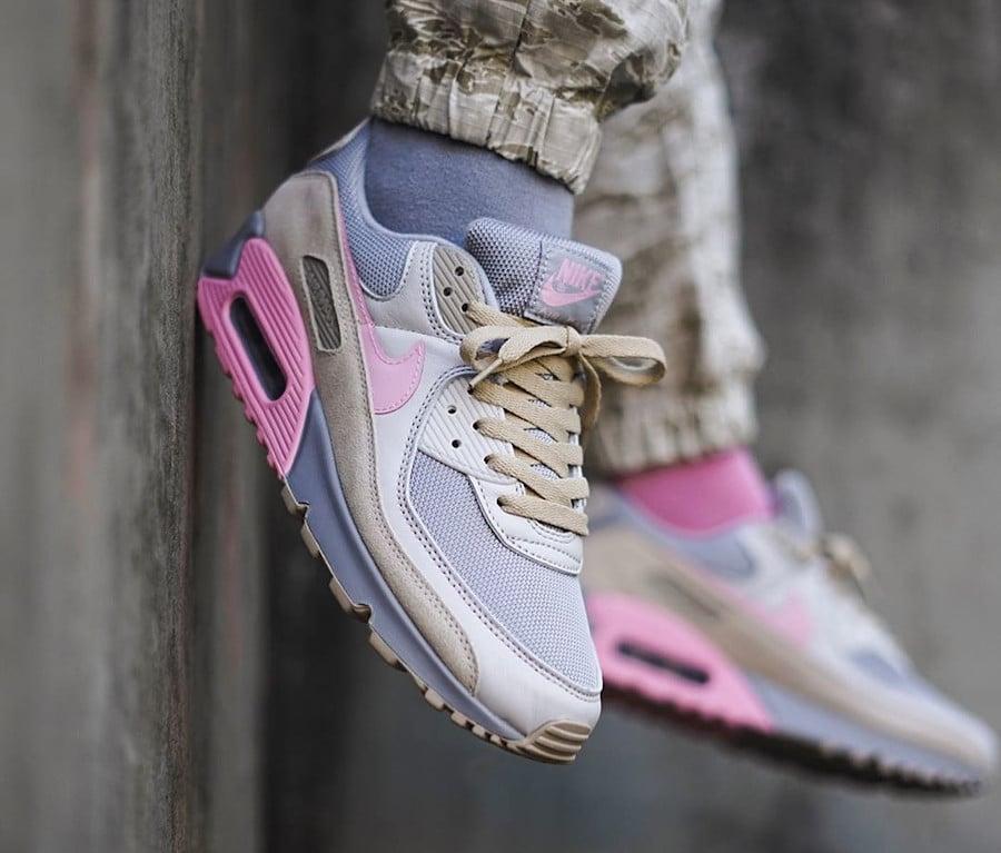 Nike Air Max 90 'Vast Grey Pink Wolf Grey' (1)