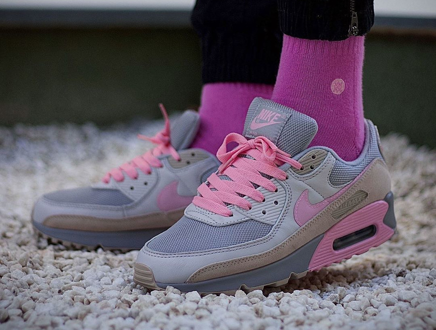 Nike Air Max 90 premium grise et rose flamant rose (2)