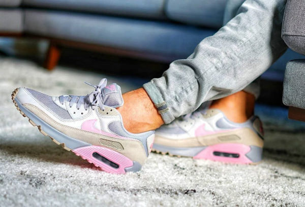 Nike Air Max 90 premium grise et rose flamant rose (3)