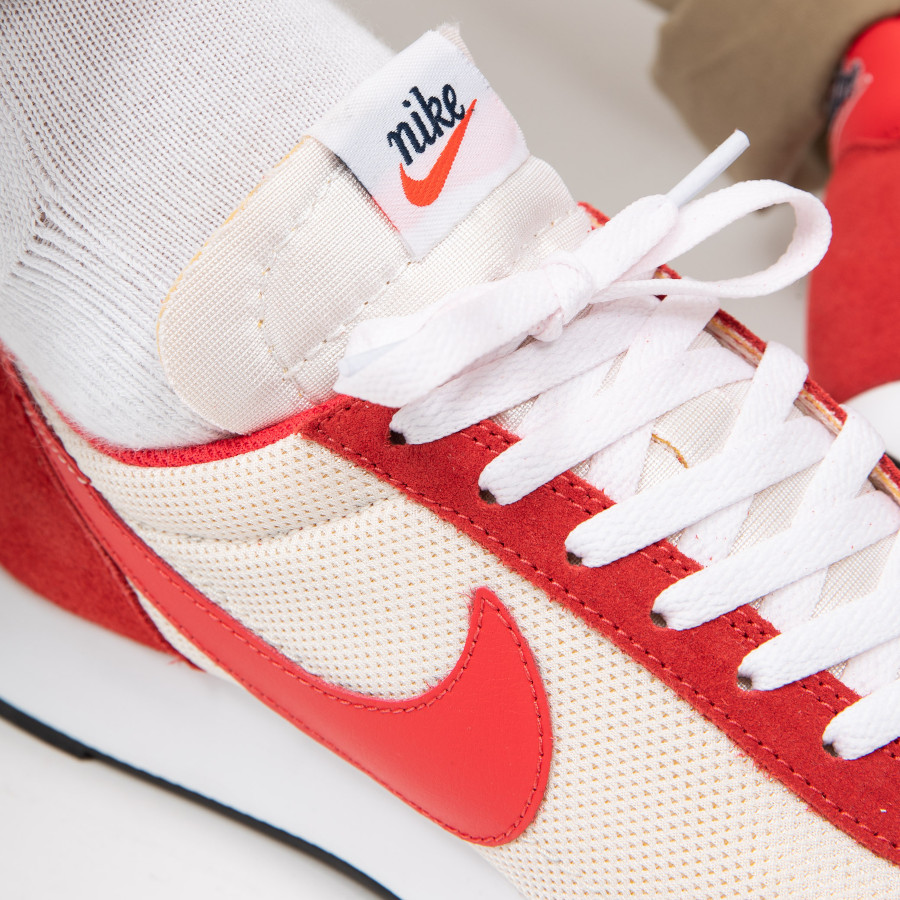 Nike-Air-Tailwind-79-blanc-cassé-et-rouge-Sail-Track-Red-1