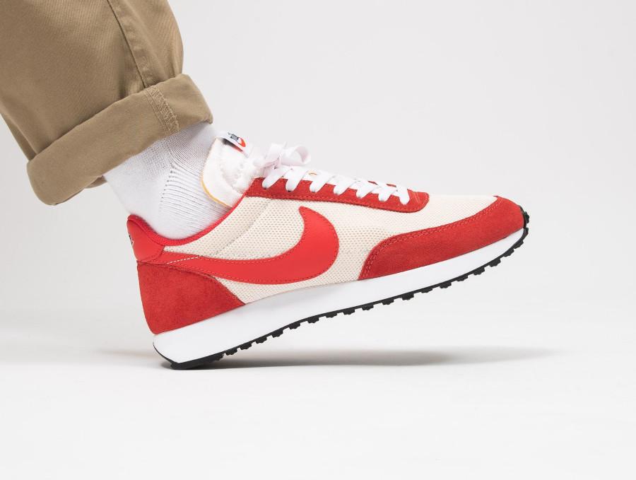 Nike Air Tailwind 79 blanc cassé et rouge Sail Track Red (2)