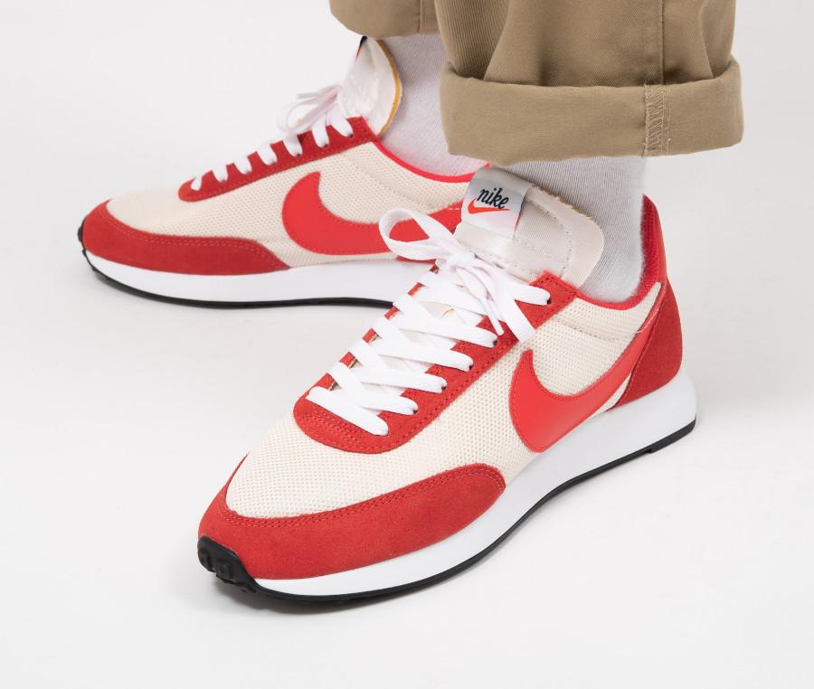 Nike-Air-Tailwind-79-blanc-cassé-et-rouge-Sail-Track-Red-3