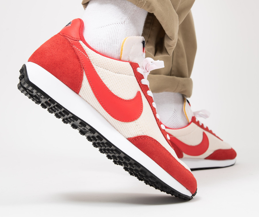 Nike-Air-Tailwind-79-blanc-cassé-et-rouge-Sail-Track-Red-4