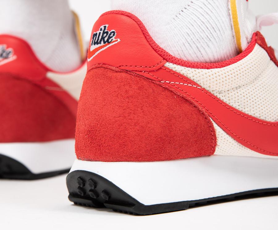 Nike-Air-Tailwind-79-blanc-cassé-et-rouge-Sail-Track-Red-5