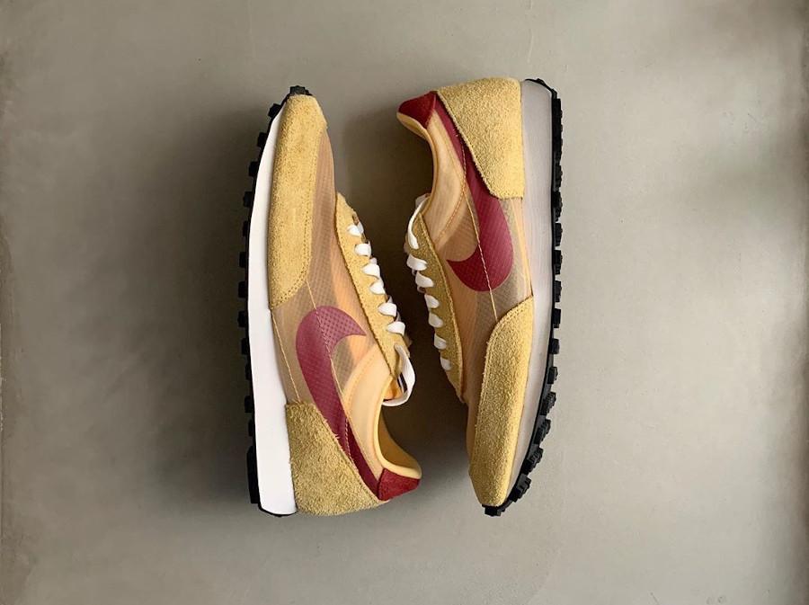 Nike Daybreak SP jaune doré blanche et bordeaux (3)
