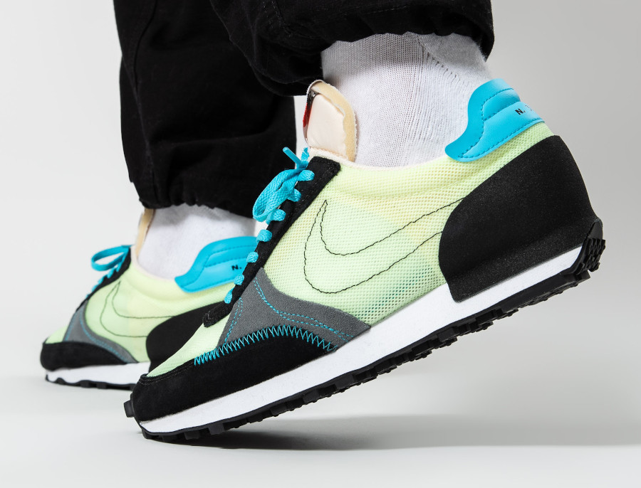Nike-Daybreak-Type-N.-354-Barely-Volt-Baltic-Blue-Smoke-Grey-2