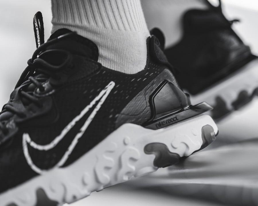 Nike-React-Vision-noire-et-blanche-pour-homme-3
