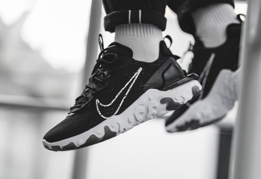 Nike-React-Vision-noire-et-blanche-pour-homme-4