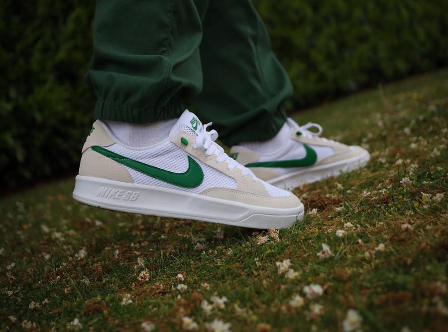 Nike SB Adversary White Pine Green CJ0887-102