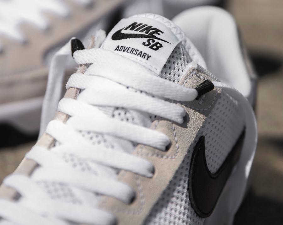 Nike SB Adversary blanche et noire (1)