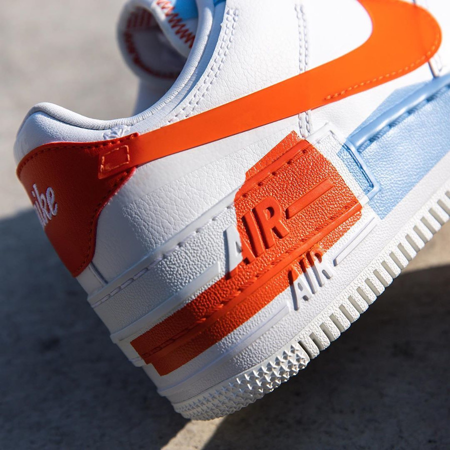 Nike Wmns AF1 Shadow SE Summit White Team Orange Psychic Blue (1)