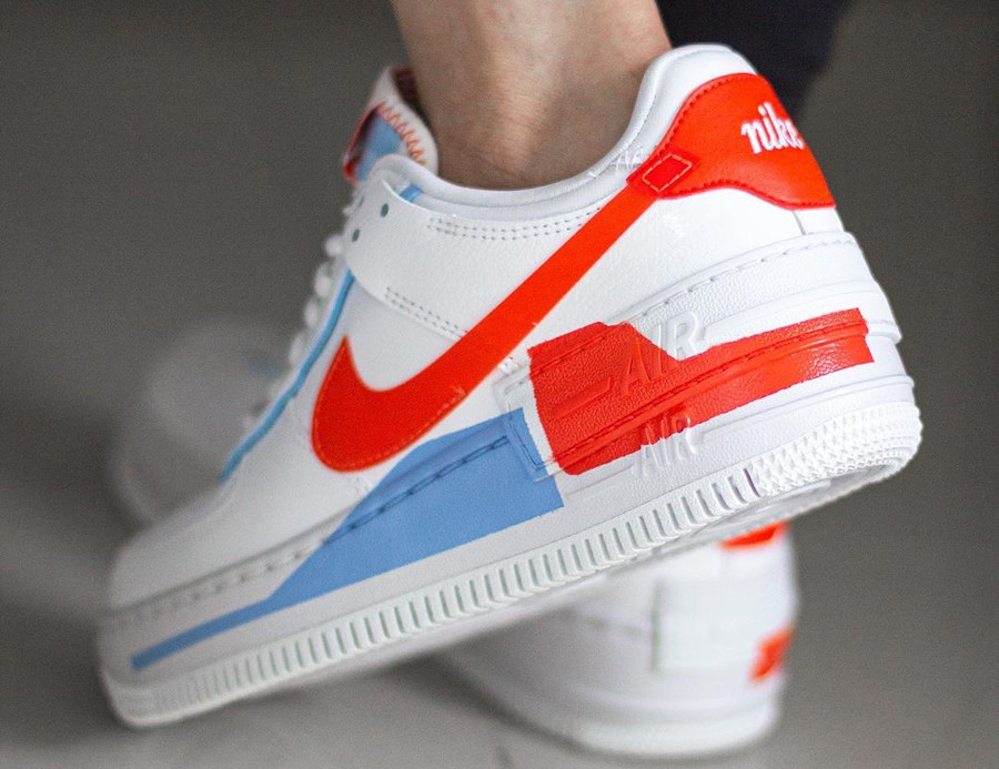 Nike Wmns AF1 Shadow Special Edition blanche bleu clair et orange (1)