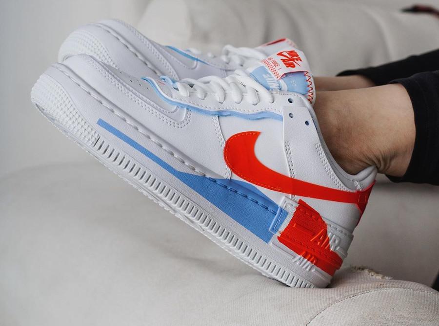 Nike Wmns AF1 Shadow Special Edition blanche bleu clair et orange (3)