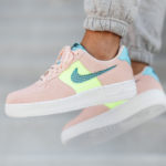 Nike Wmns Air Force 1 '07 SE Washed Coral Ghost Green Oracle Aqua