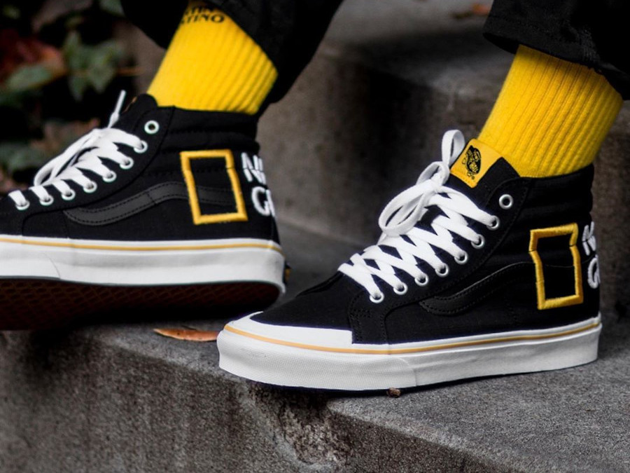 Vans SK8 Hi Reissue Black Yellow on feet VN0A3TKPXHP1 (2)