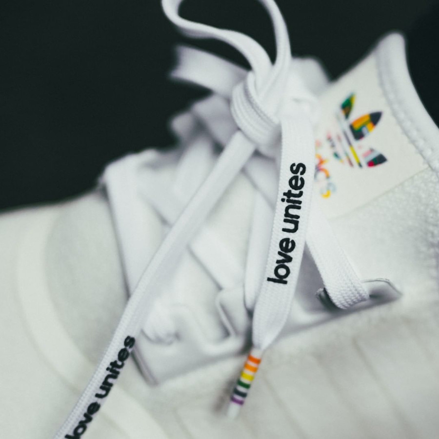 Adidas NMD R1 LGBT Gay Pride 2020 (2)