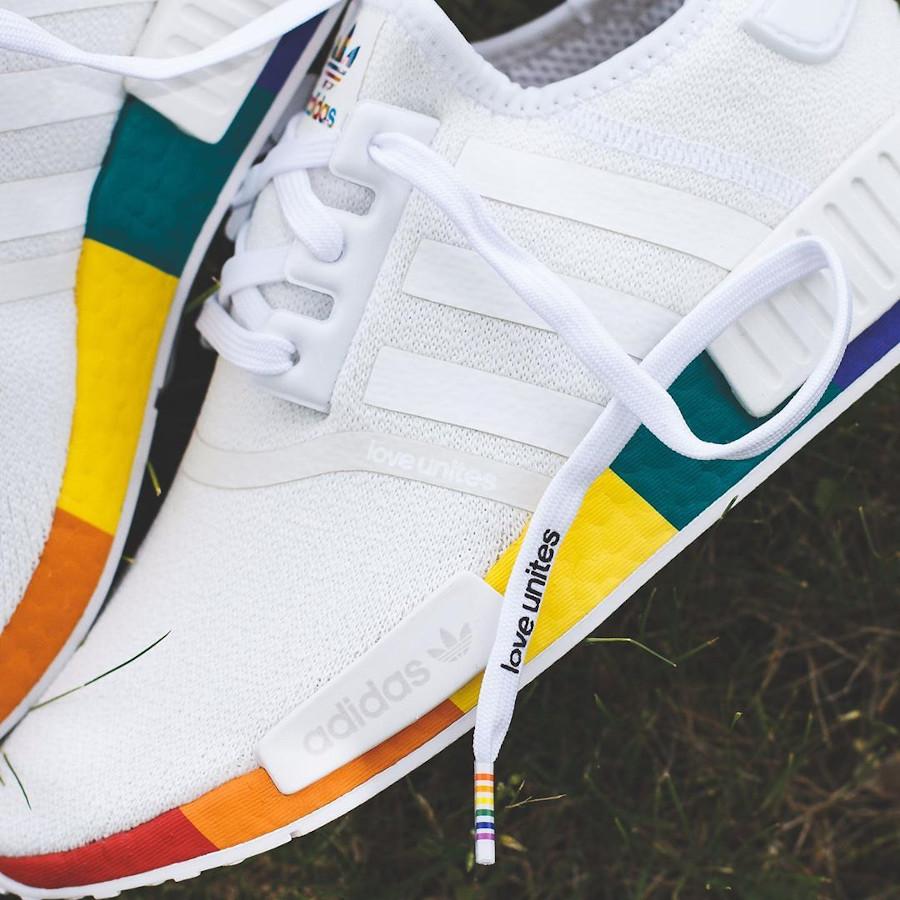 Adidas NMD R1 blanche avec une semelle multicolore (2-1)