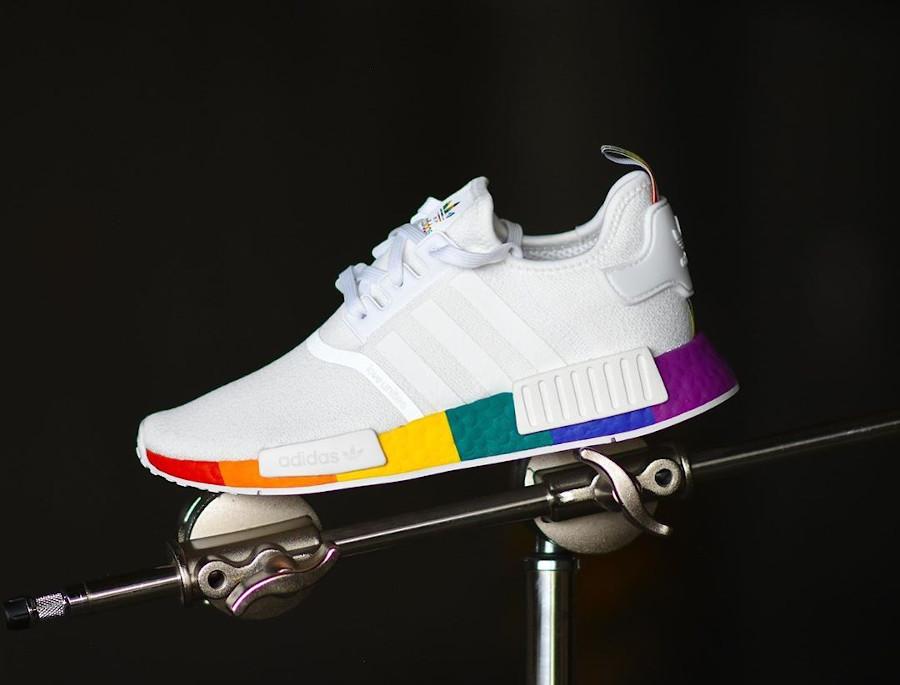Adidas NMD R1 blanche avec une semelle multicolore (3)