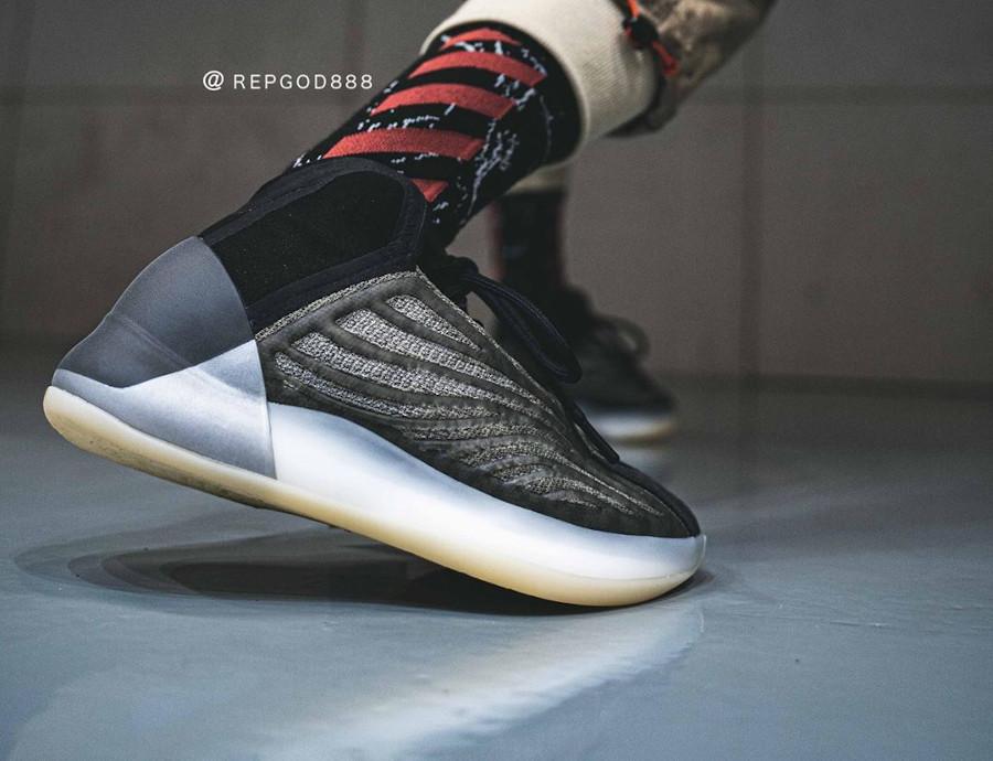 Adidas Yeezy Quantum gris foncé (5)