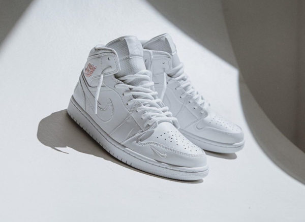 Air Jordan 1 Mid SE Euro Tour 2020 CW7589-100