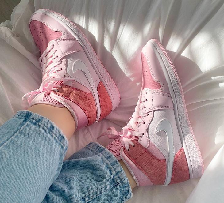 Air Jordan 1 mi-montante rose 2020 pour femme (7)