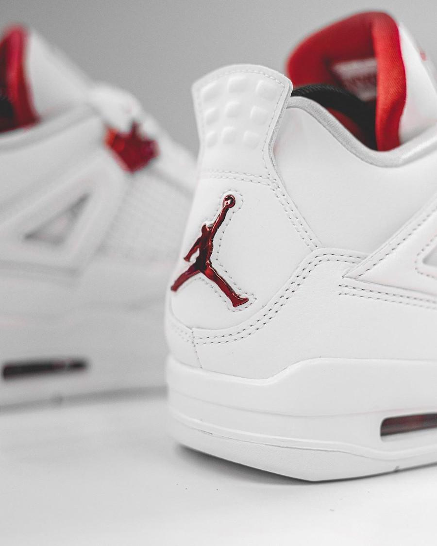 Air Jordan IV blanche et rouge métallisé (1)