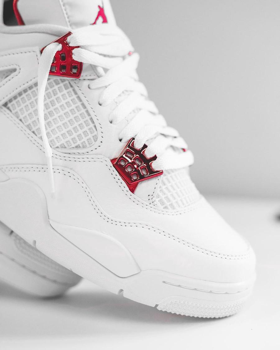 Air Jordan IV blanche et rouge métallisé (3)