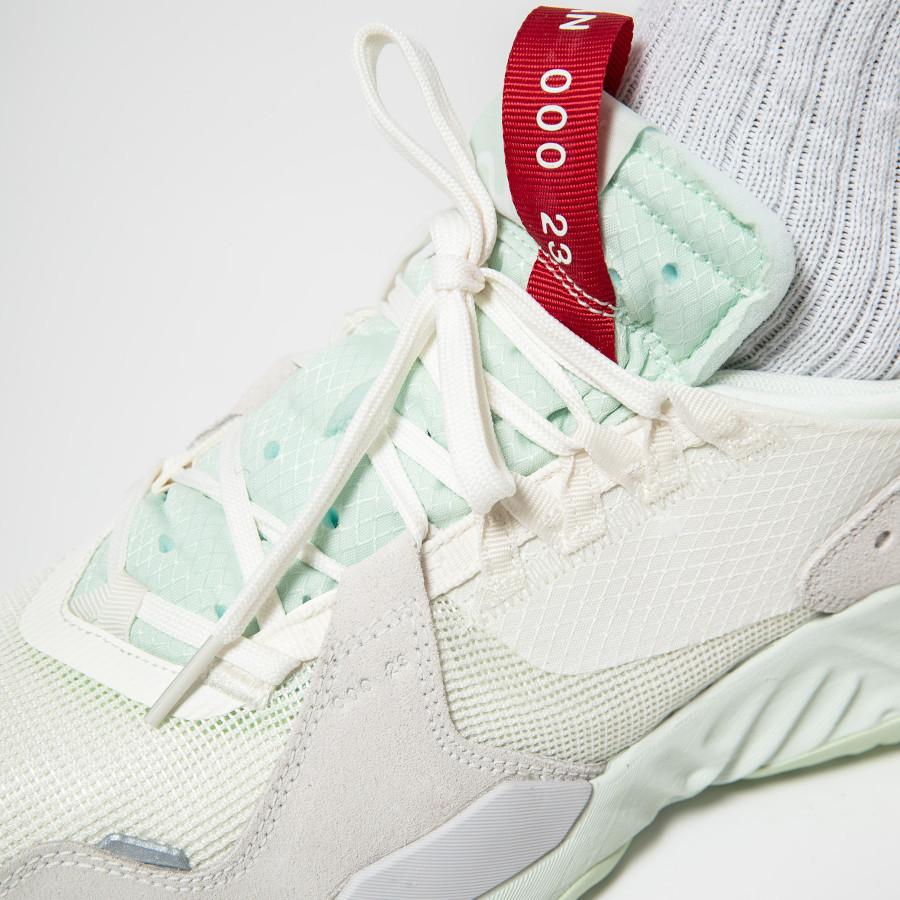 Air-Jordan-SP-blanc-cassé-et-vert-menthe-2