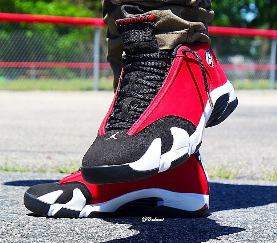 Air Jordan XIV 2020 en suède rouge et noir (2)