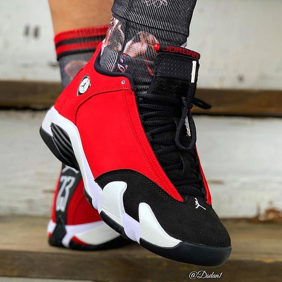 Air Jordan XIV 2020 en suède rouge et noir (4)