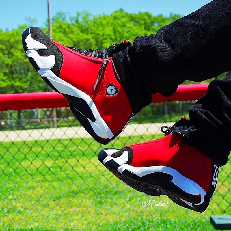 Air Jordan XIV 2020 en suède rouge et noir (5)