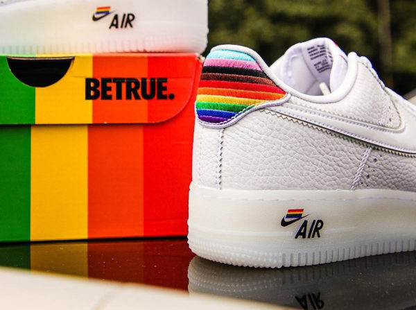 Nike Air Force 1 Low LGBT Gay Pride (couv)
