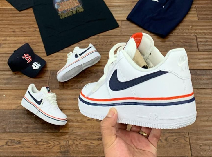 Nike Air Force 1 blanche avec un ruban tricolore (1)