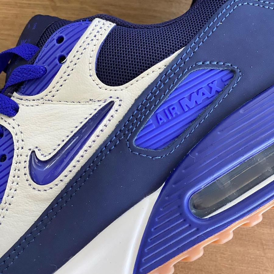 Nike Air Max 90 Premium blanc cassé violet et marron CJ0611-102 (3)