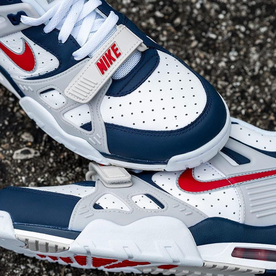 Nike Air Trainer III 2020 blanche bleu marine et rouge (2)