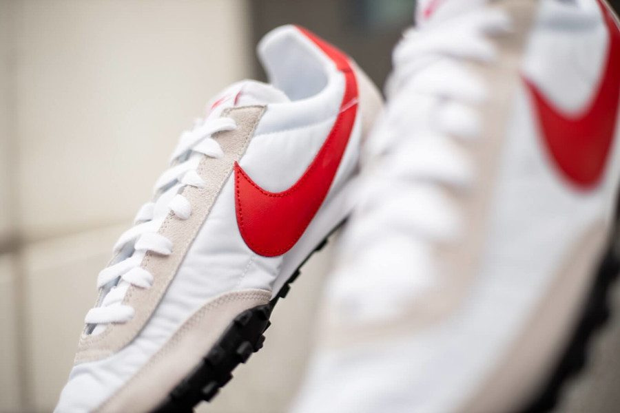 Nike Waffle Racer homme 2020 blanche grise et rouge (1-2)