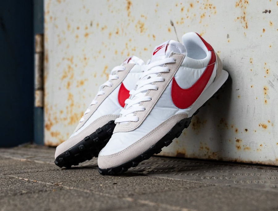 Nike Waffle Racer homme 2020 blanche grise et rouge (1)